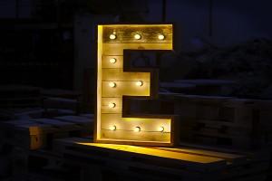 Letras decorativas con luz