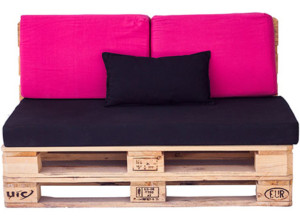 Sofá de interior fabricado con palets de madera