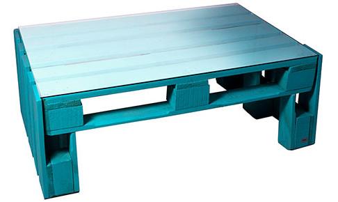Mesas fabricadas con madera de palets para decoración exterior